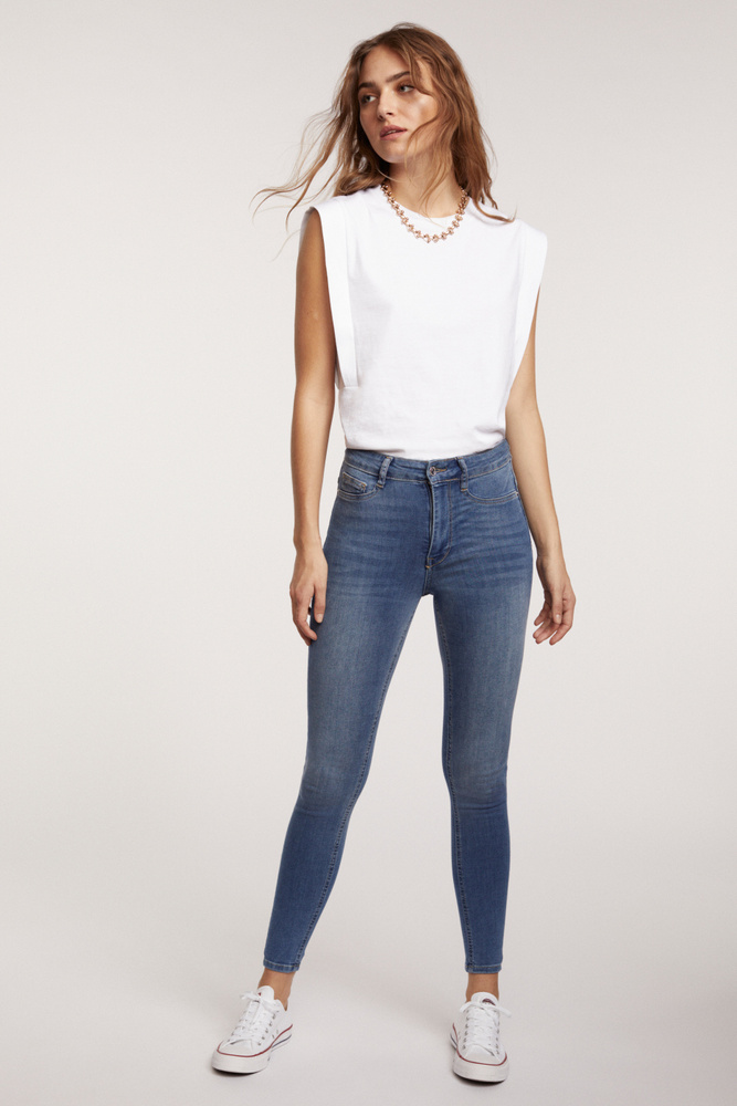 Gina Tricot HighWaist Jeans Molly in 3 Farben